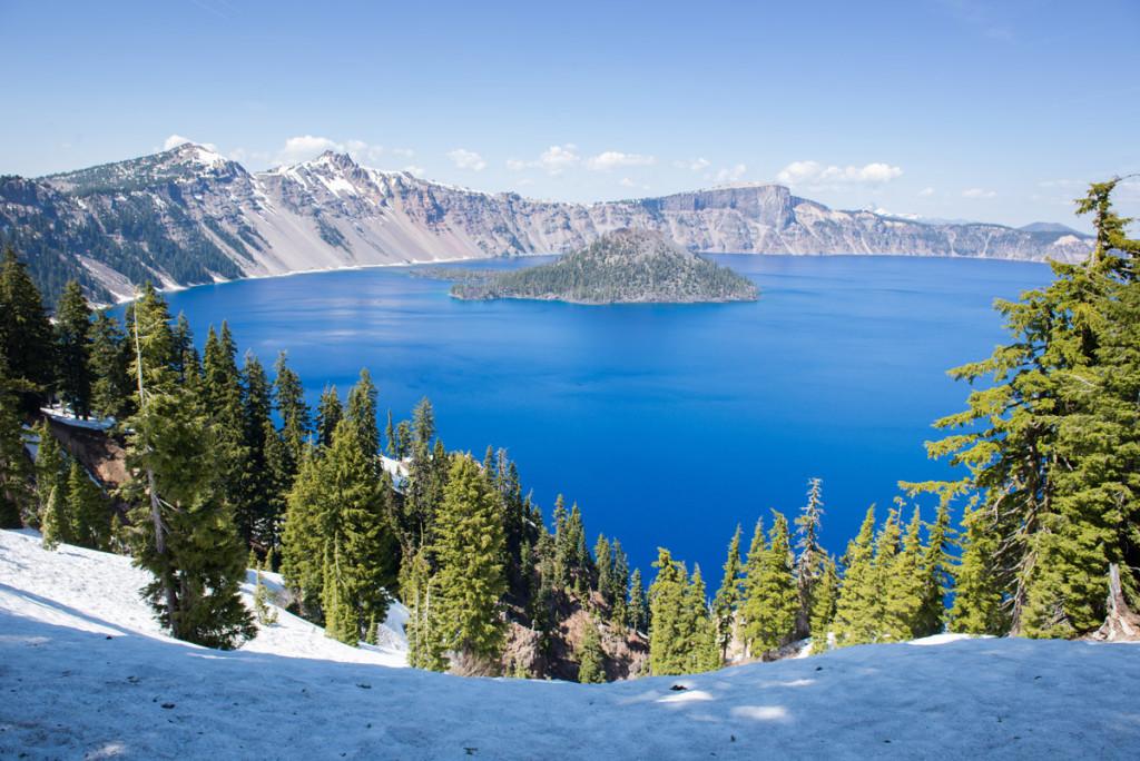 Kráterové jezero s ostrůvkem Wizard