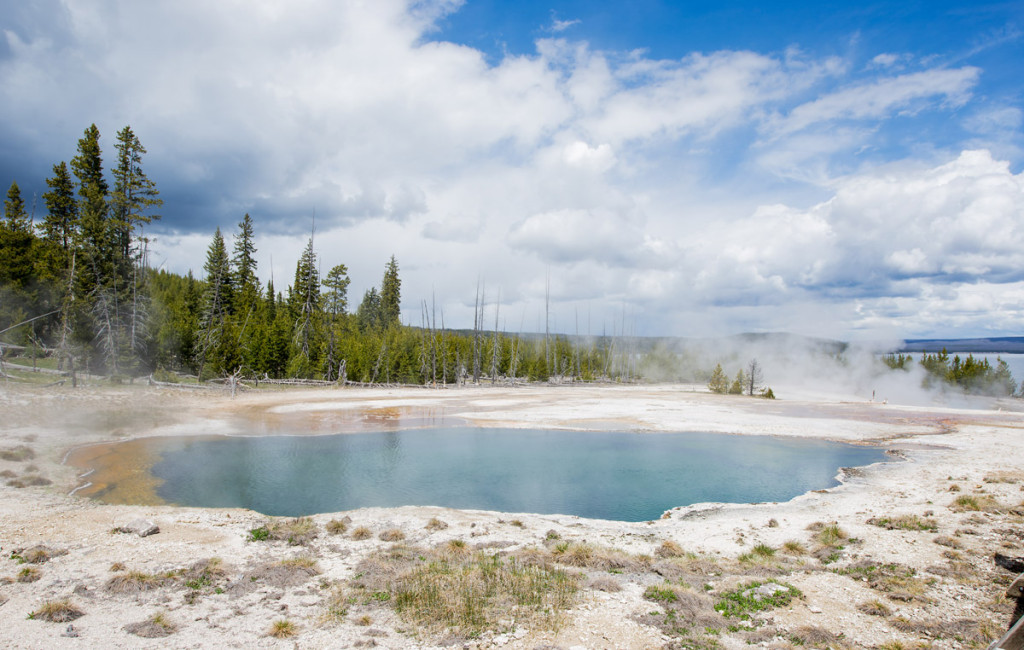 digforfree.com abyss-pool-view-yellowstone-national-park-west-thumb-near-the-lake