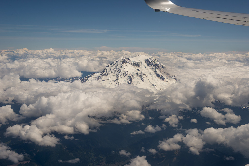 Mount Rainier z výšky 36 000 stop