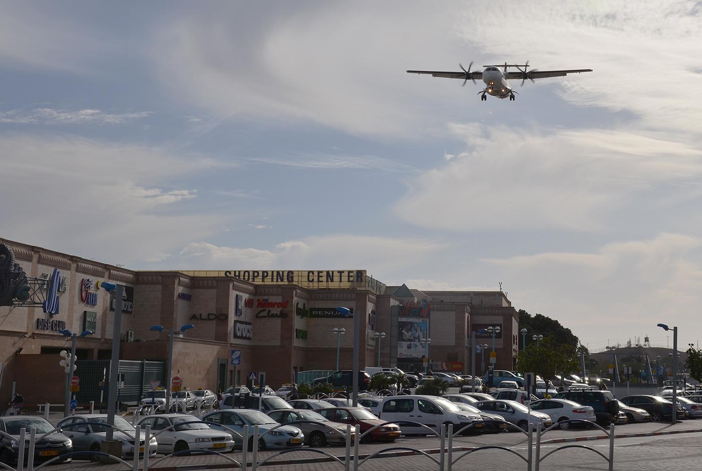 ATR 72 společnosti Arkia, finále dráhy 03, Eilat, Izrael