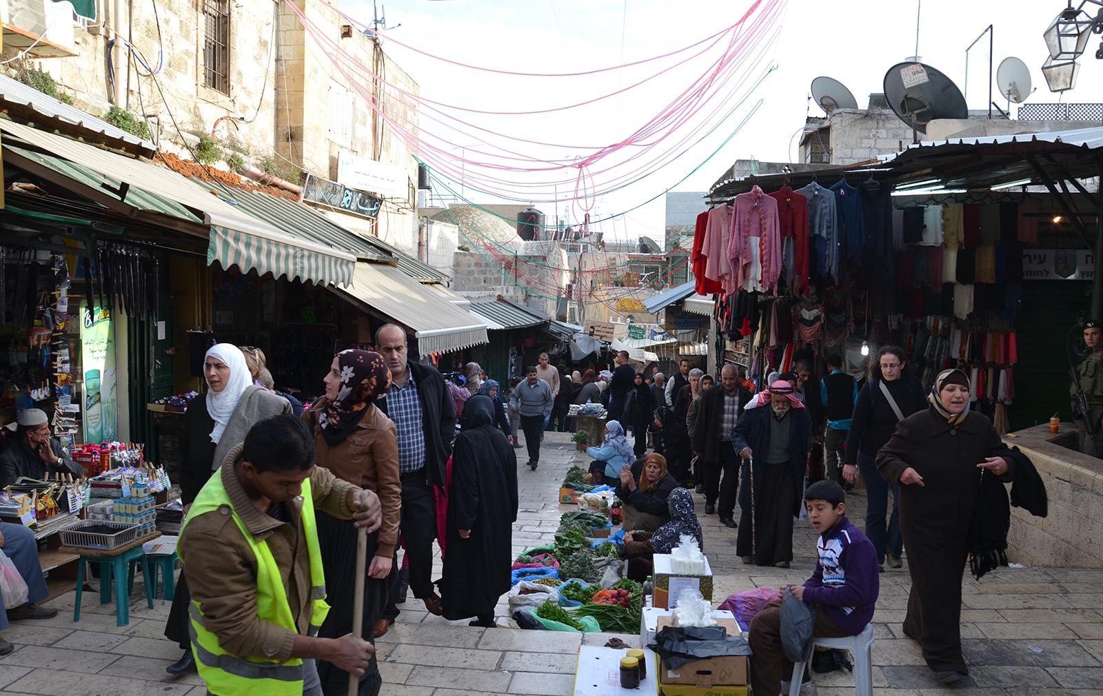 pouliční trh poblíž Damašské brány, Jeruzalém, Izrael