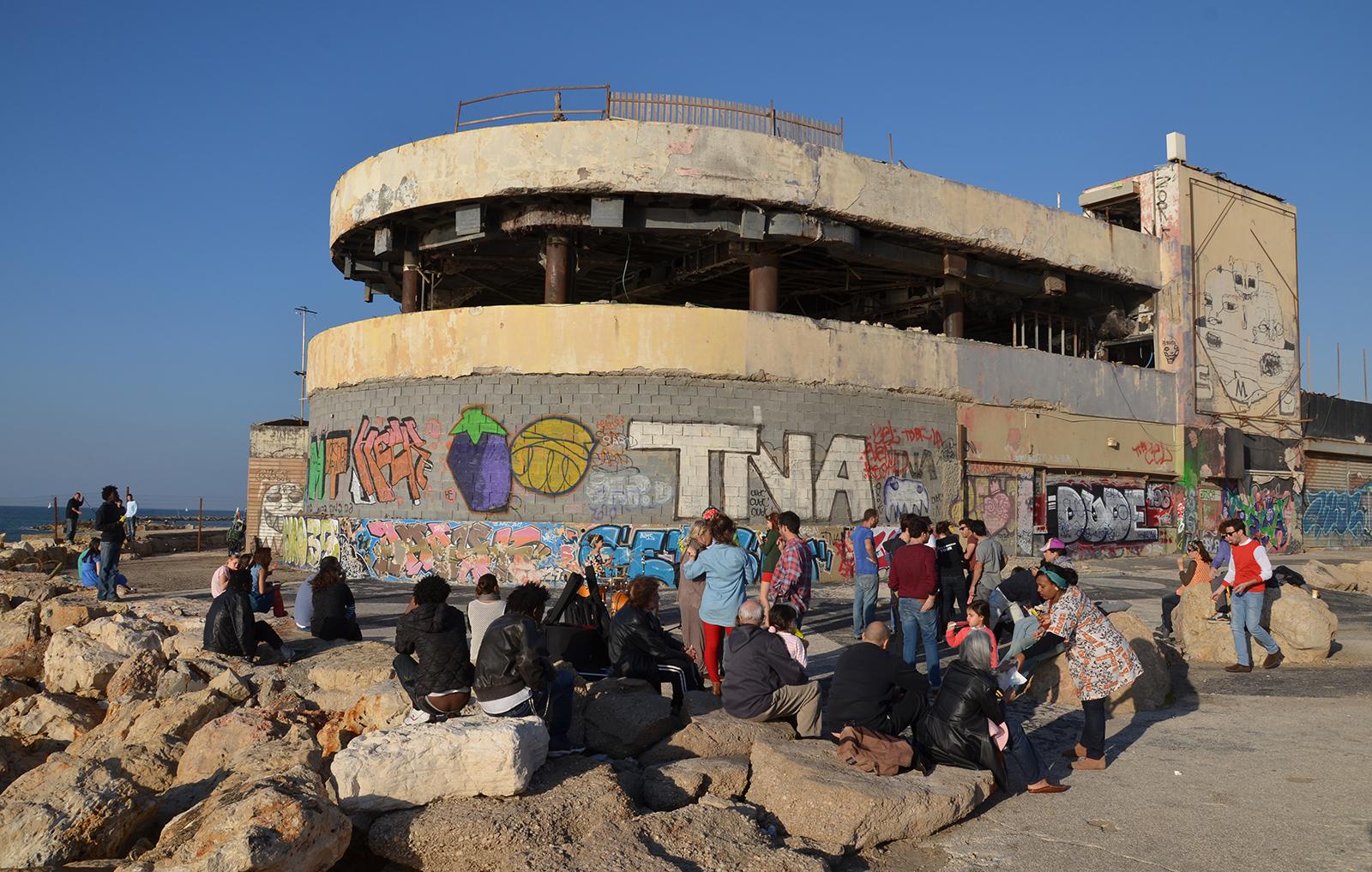 Delfinárium, diskotéka, která byla 2x terčem teroristických útoků, Tel-Aviv, Izrael