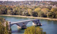 Pohled na avignonský most od Papežského paláce