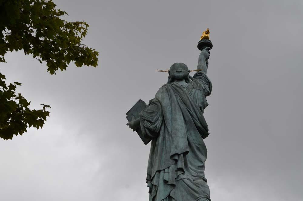 socha svobody v parizi