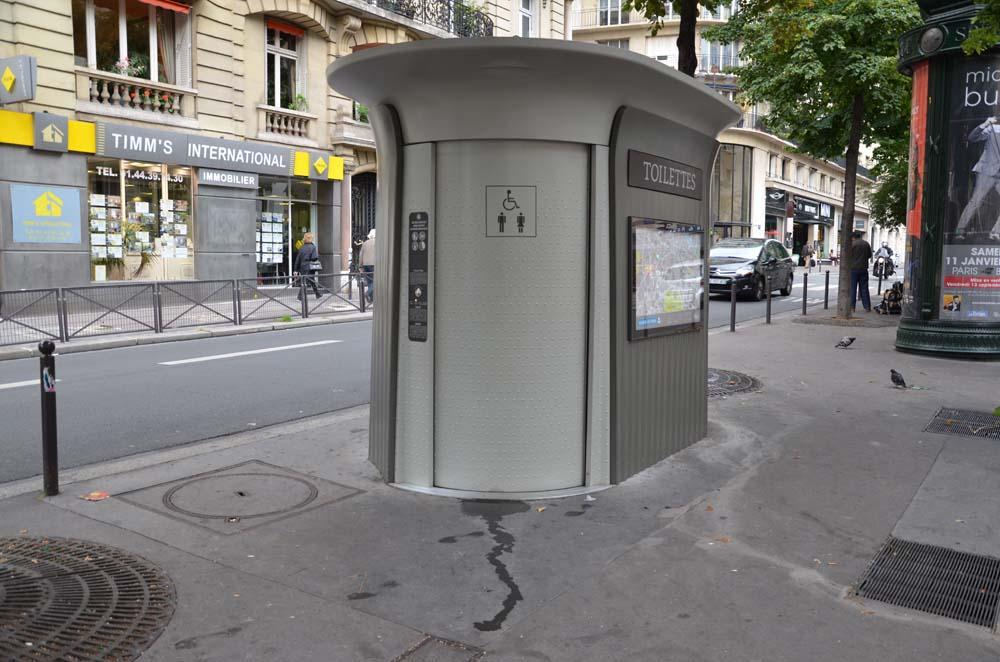 parizske toaletni budky