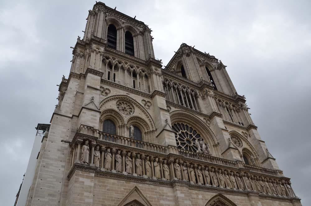 notre dame v parizi