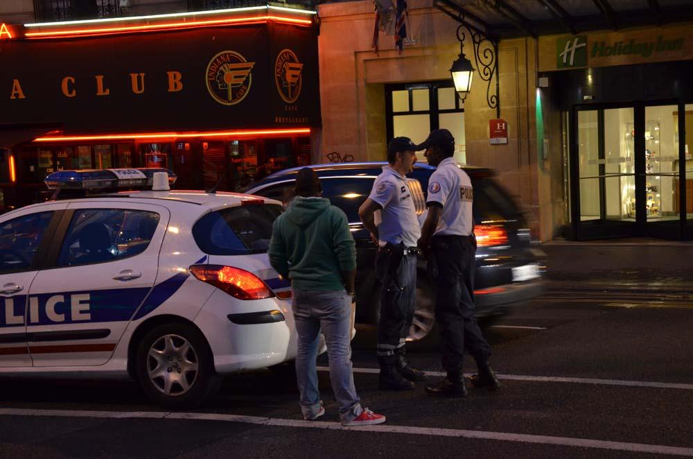polisi v parizi