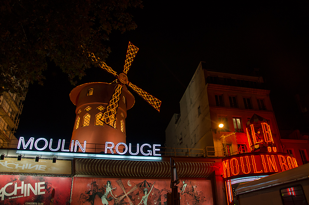slavny moulin rouge v parizi