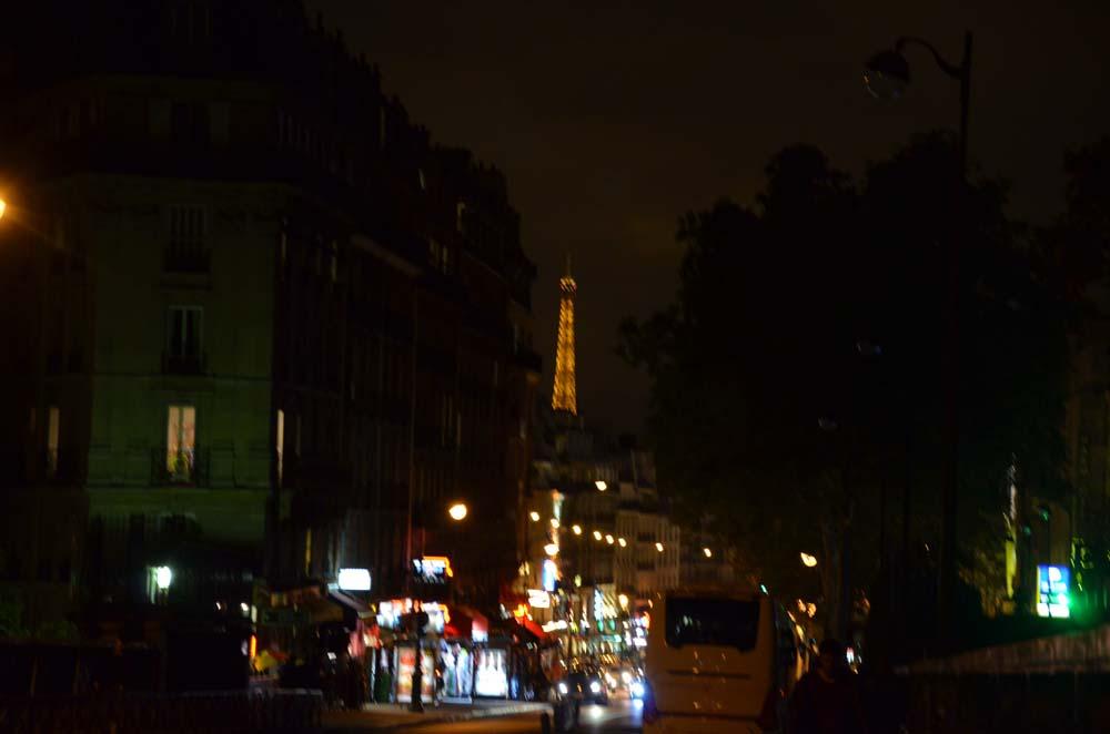 most pres parizsky hrbitov na montmarteru