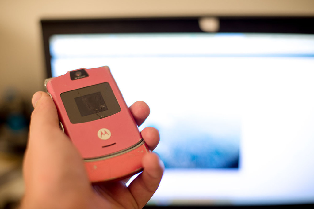 motorola-razr-pink-version