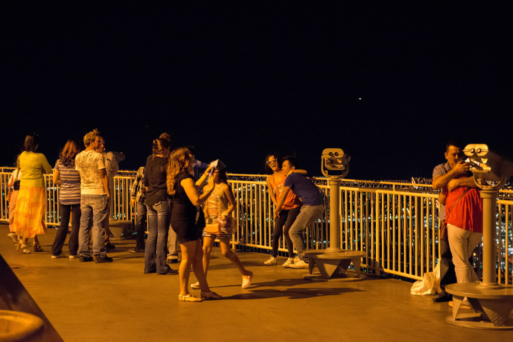 volná zábava na vyhlídkové terase hotelu Stratosphere