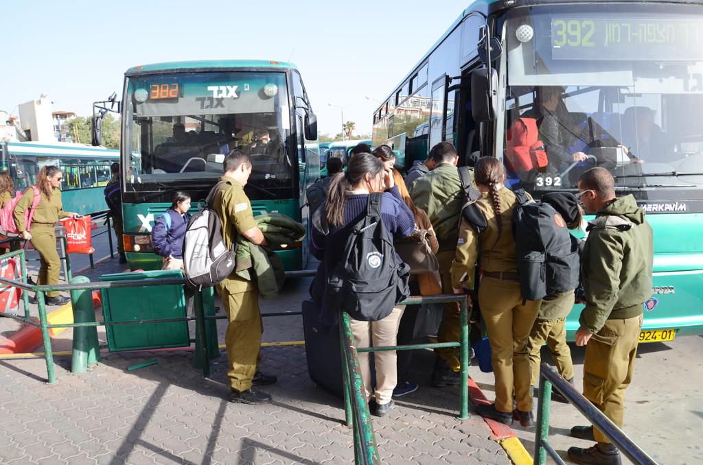 autobus z Eilatu do Mitzpe Ramon
