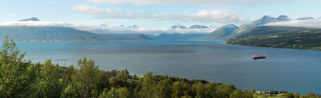 panorama norských fjordů v oblasti Troms