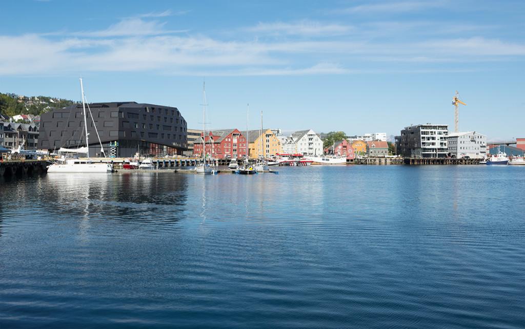Kystens hus na nábřeží v Tromsø