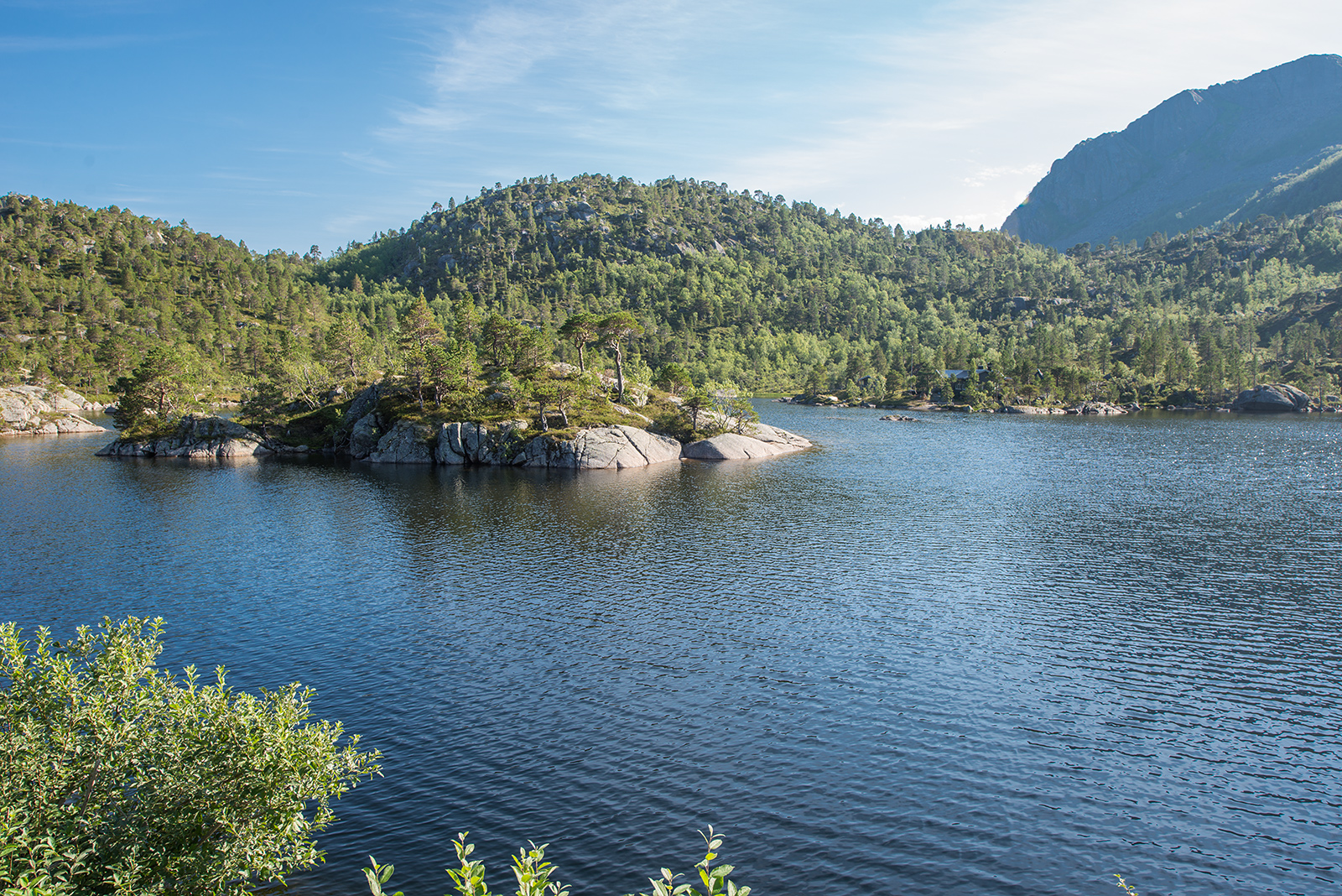 Nedre Kåringsvatnet, Lofoty