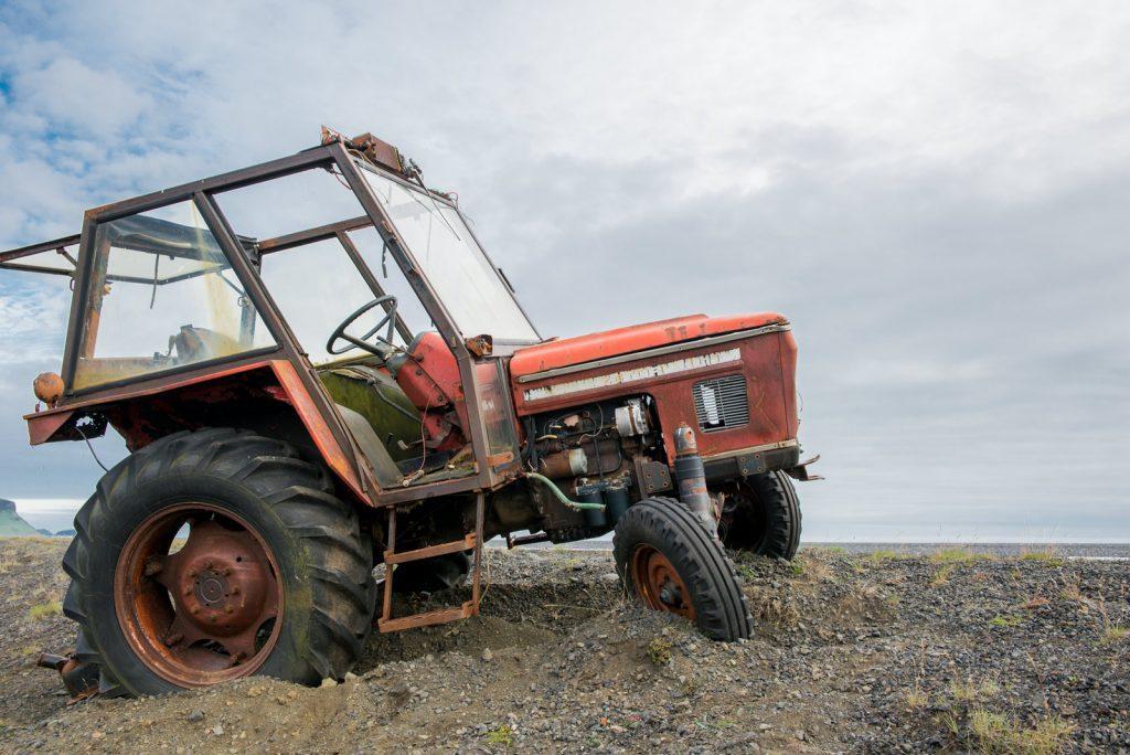Abandonet tractor Zetor near Solheimasandur DC-3
