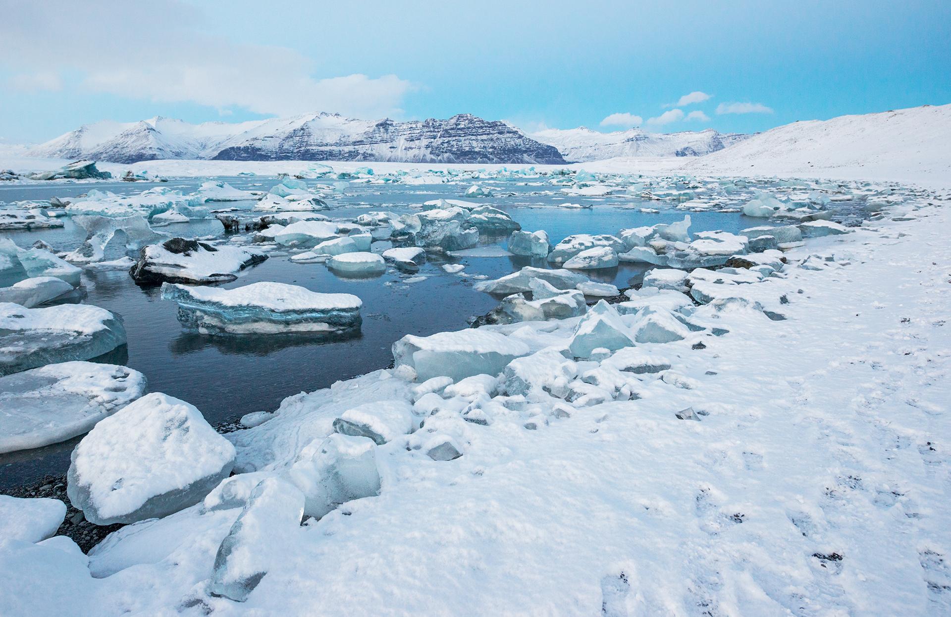 Jokulsarlon icelandic glacier lagoon winter days