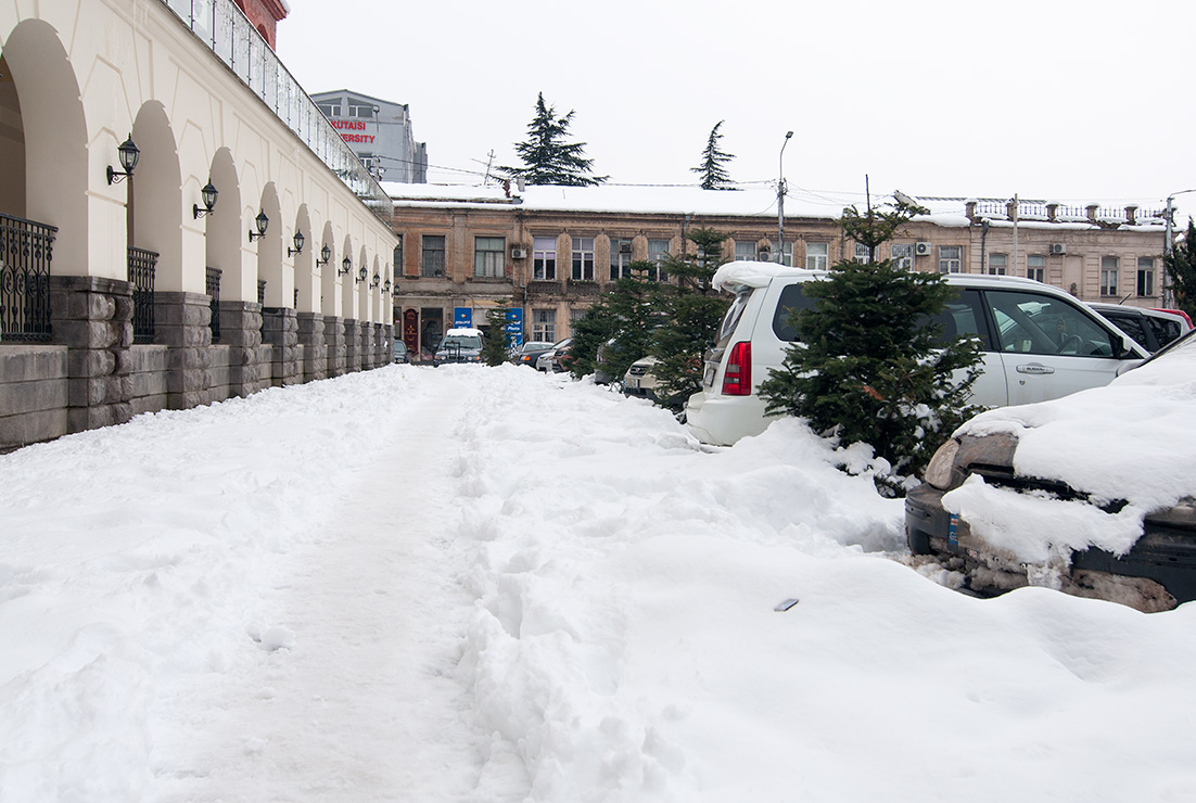 Kutaisi v zime pod snehem