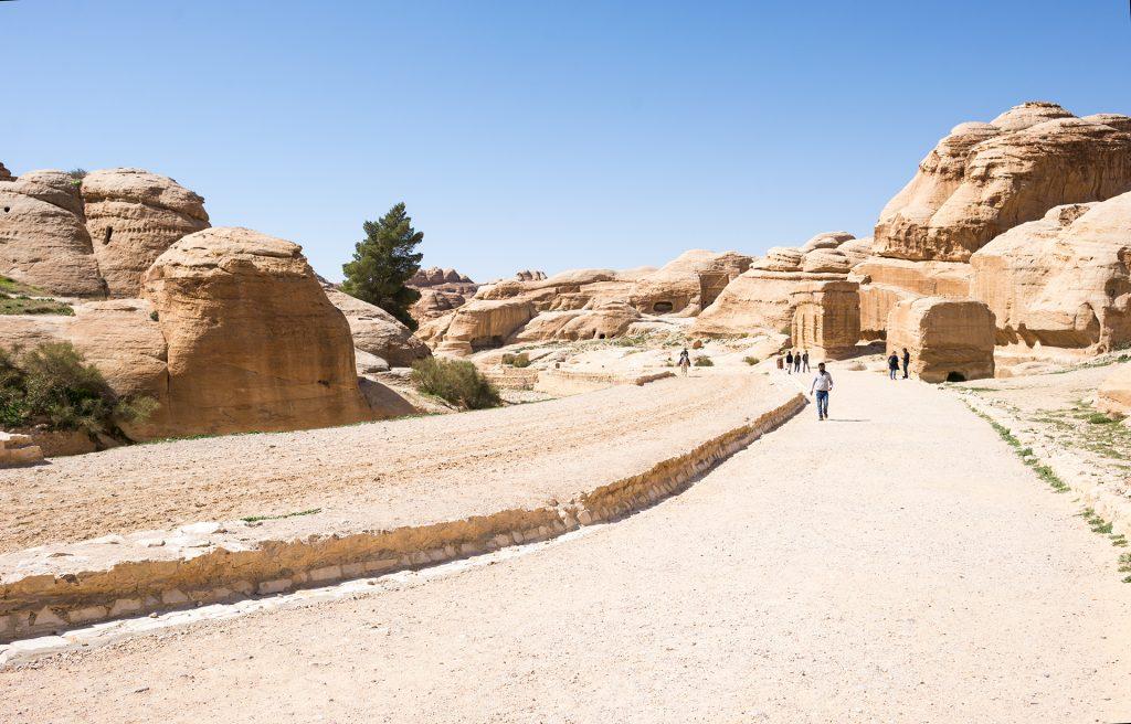 přeivaděč do skalního města Petra