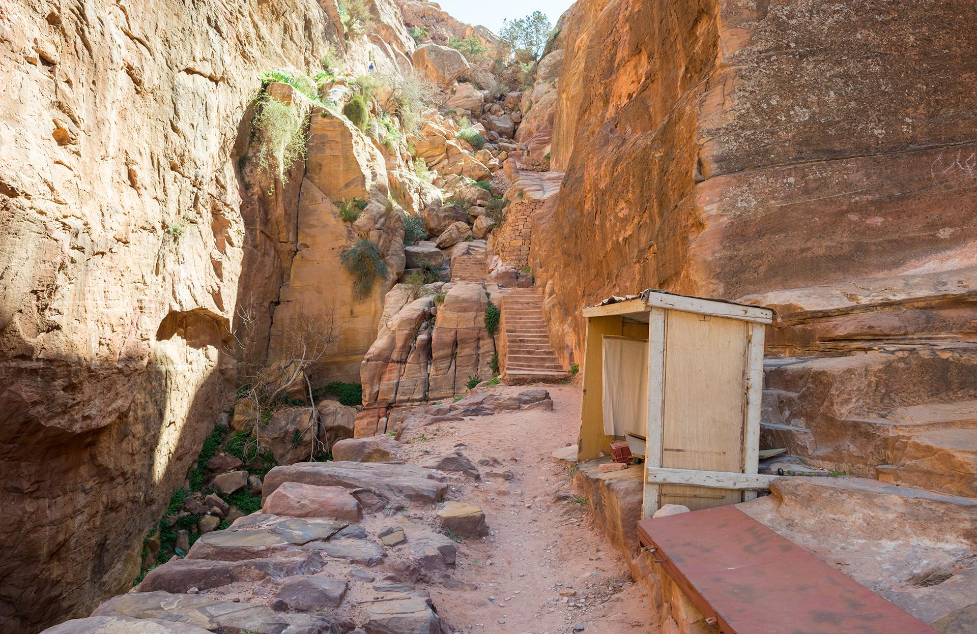 stánek prodejci opuštěný, Petra, Jordánsko