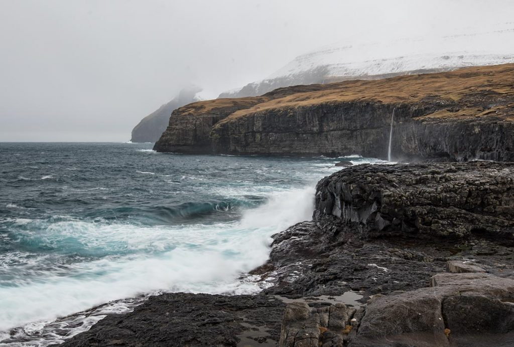 Vodopád u vesničky Eiði na Faerských Ostrovech
